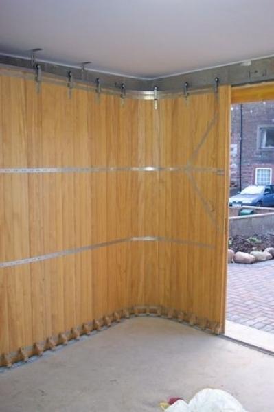 Traditional Round The Corner Garage Door Rundum Meir